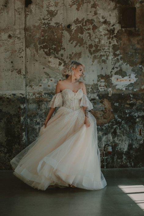 Bridal Beauty Store Hochzeitskleid