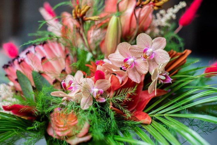 Tropischer Blumenstrauß